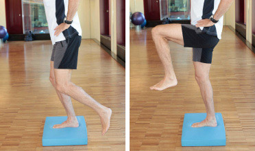 Beinübung: Knie heben